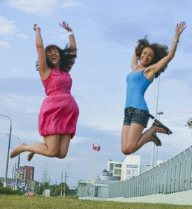 girls-jumping